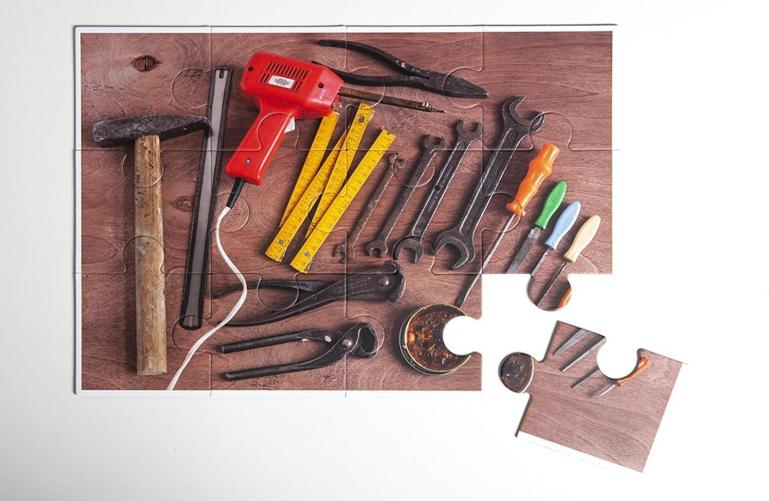 puzzle dla seniora narzędzia